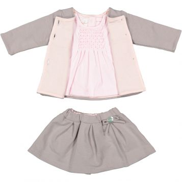 giacca felpa grigio unito + t-shirt in jersey rosa con smock rosa + gonna felpa grigio unito