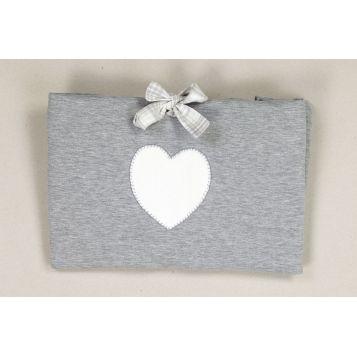 tela per il cambio in flanella grigia con cuore in ciniglia bianco